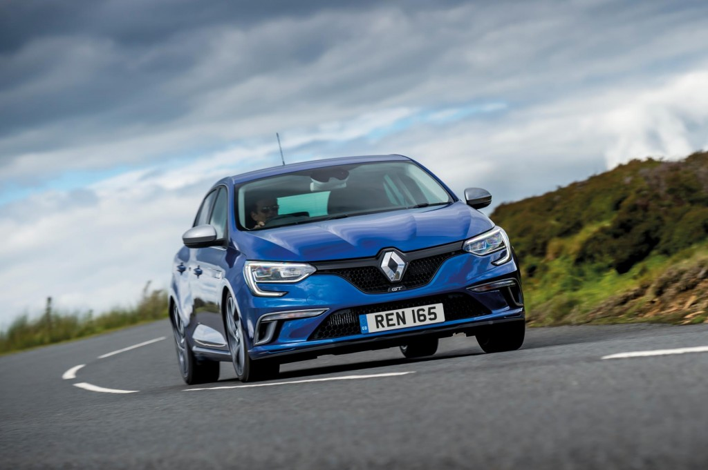VERSATILE AND SPORTY NEW HIGH-TECH FLAGSHIP FOR ALL-NEW MÉGANE RANGE
