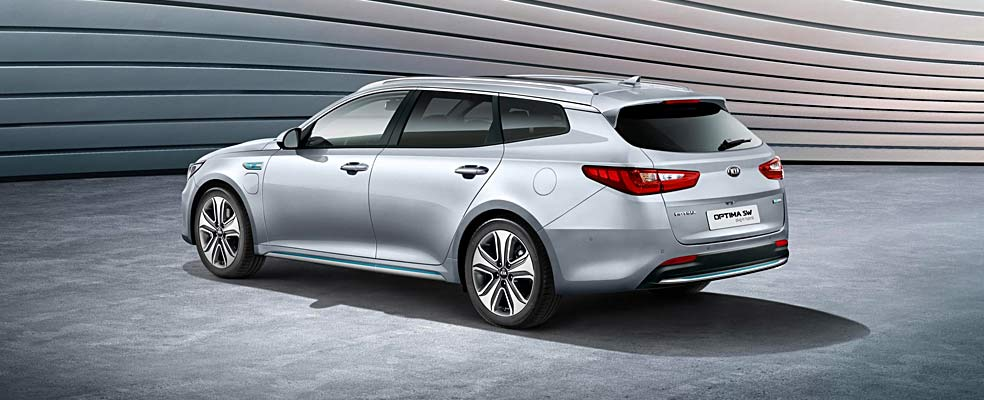 KIA ADDS PLUG-IN HYBRID TO OPTIMA SPORTSWAGON LINE-UP