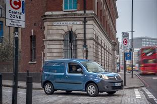RENAULT KANGOO VAN Z.E.33 RETAINS ITS 'BEST GREEN VAN' TITLE AT BUSINESS VAN OF THE YEAR AWARDS