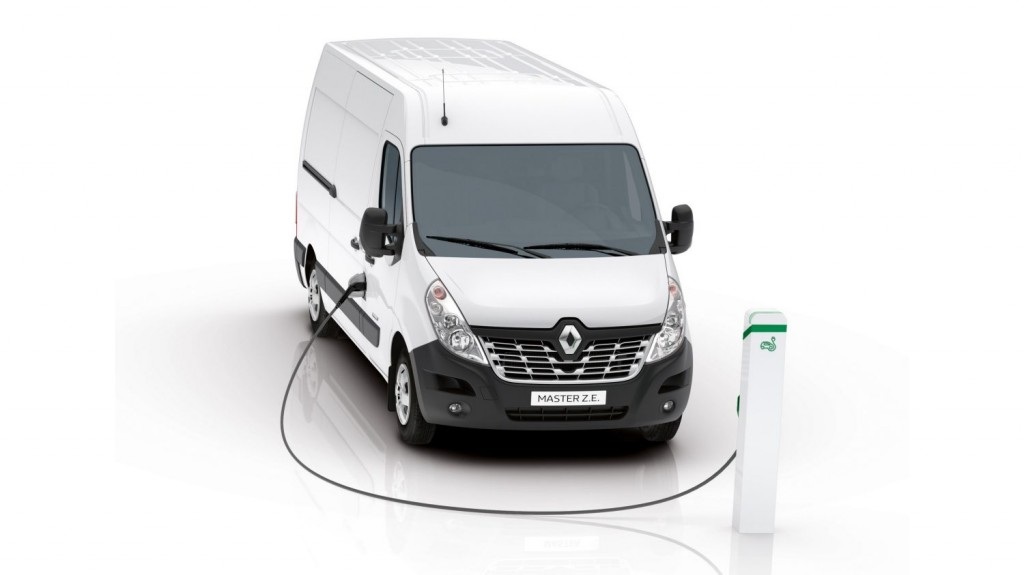 FIRST RENAULT MASTER Z.E. IN EUROPE DELIVERED TO POSTNL IN THE NETHERLANDS