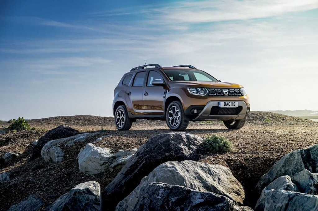 NEW TCe PETROL ENGINES AND UPDATED MULTIMEDIA SYSTEM FOR DACIA