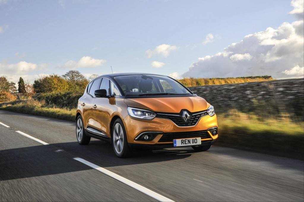 RENAULT ANNOUNCES NEW EASYLIFE VERSION LINE-UP ON SCENIC, GRAND SCENIC AND KOLEOS