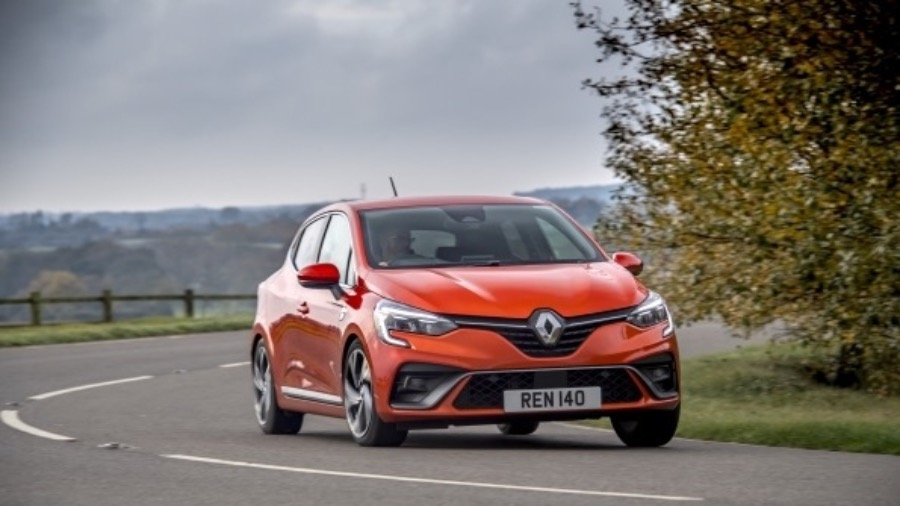 RENAULT CLIO PASSES THE TEST TO BE AWARDED FIRSTCAR 'NEW CAR OF THE YEAR' 2021